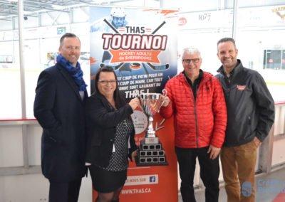 Jean-Guy Roy (Mercedes-Benz Sherbrooke), Johanne Roy (Pneus Goulet Sherbrooke), Michel Poisson (Momo Sports), Sylvain Donahue (président et fondateur du tournoi)
